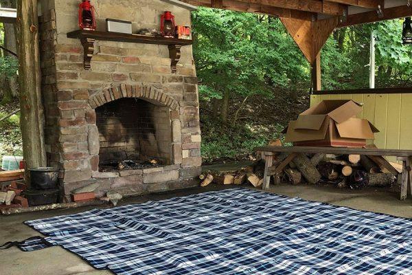 Outdoor retreat patio